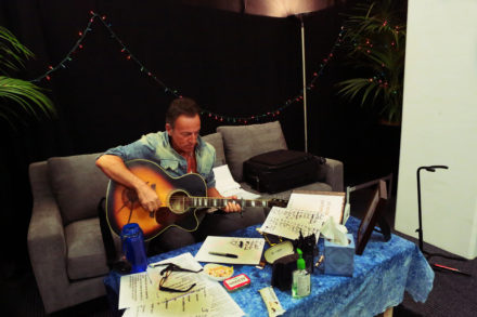 bruce dressing room new zealand show 2 march1 2014 7E1A5408
